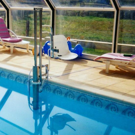 Aquasiège pour bassins couverts d'un abri bas - Élévateu...