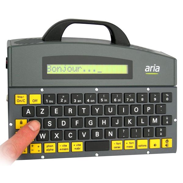 Alpha 5 - Appareil de communication par synthèse vocale...