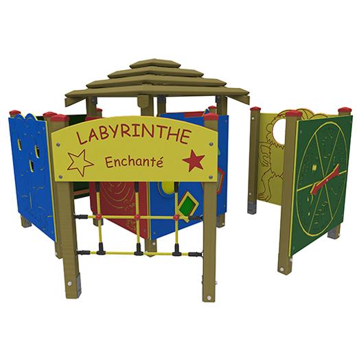 Labyrinthe enchant� - AIRE DE JEUX ADAPTEE...