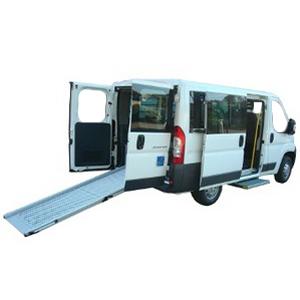 Boxer Combi - Véhicule neuf aménagé pour le transport...