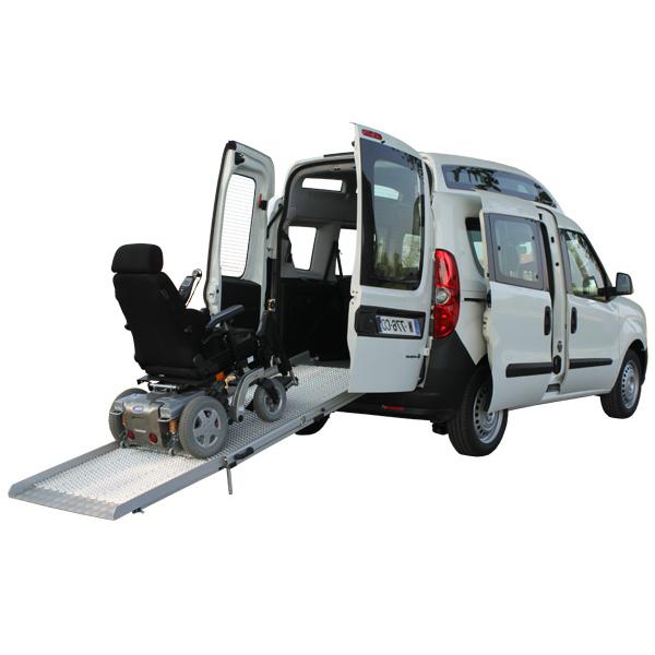 Fiat Doblo handicap - Véhicule neuf aménagé pour le tran...