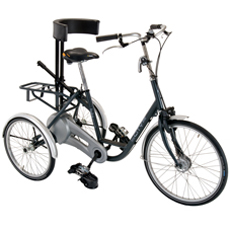 At - Tricycle à deux roues arrière propulse par les pied...