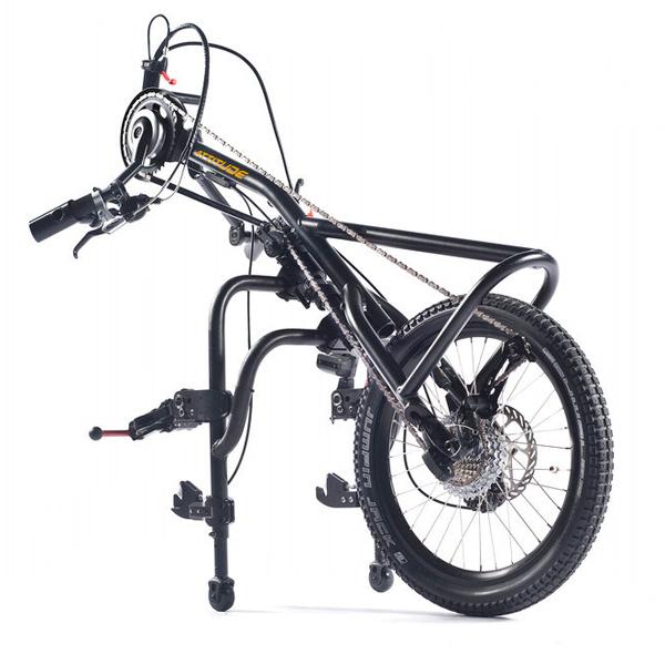 Attitude Manual - Troisième roue pour fauteuil roulant...