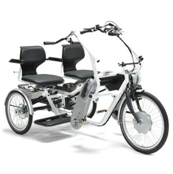 Twinner - Tricycle à deux roues arrière propulse par les...