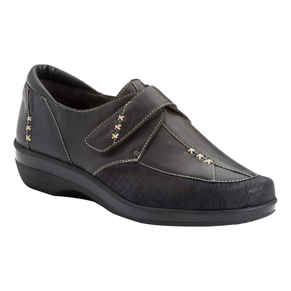 AD 2106 - Chaussure pied sensible...