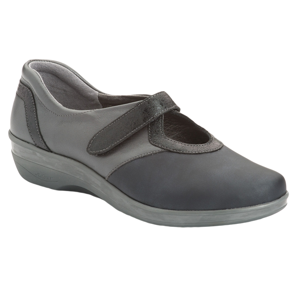 AD 2156 - Chaussure pied sensible...